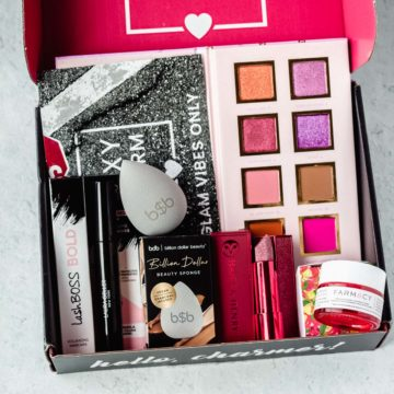 Close up of the items inside the september 2020 boxycharm box