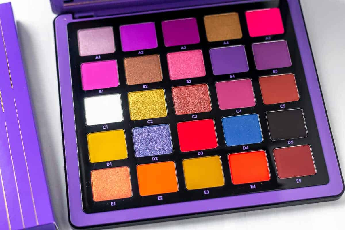 close up of the colors inside of the NORVINA® Pro Pigment Palette Vol. 1